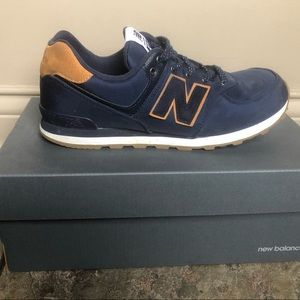 New Balance size 7 Navy Blue and Brown Suede